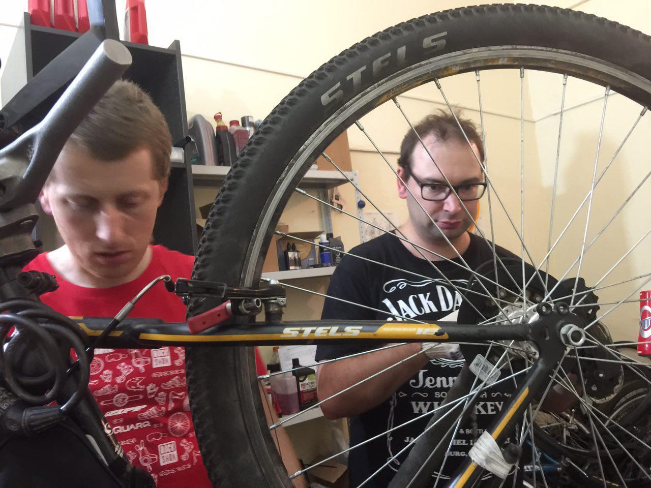 Ремонт велосипедных колес (2)